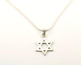 Vintage Star of David Necklace 925 Sterling Silver NC 885