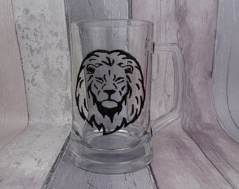 Hand painted lion glass beer tankard, Lion with mane pint glass, Gift for Dad, Father's Day gift, Gift for him, Birthday gift, Groom gift