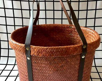 Large Natural Handwoven Oval Straw Basket,Wicker Oval Straw Basket with Leather Straps,French Straw Basket,Straw Basket Bag,Straw Beach Bag