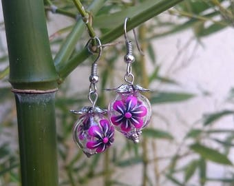 Glass beads flowered Fuchsia and black polymer clay earrings.