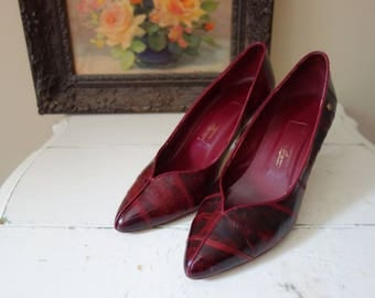 Vintage Red Shoes Dark Red Etienne Aigner Pumps Pointed Toe 1980s Vintage