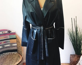 Vintage Designer Stefania Sarle Long Black Leather Trench Coat Trim Detail Womens XXL Fall Winter Coat
