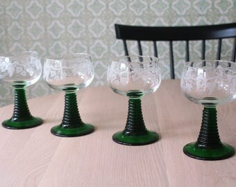 Vintage french wine glasses // Retro green glass Goblets // Grape and wine leaves // Set of 4 // 0,2 L