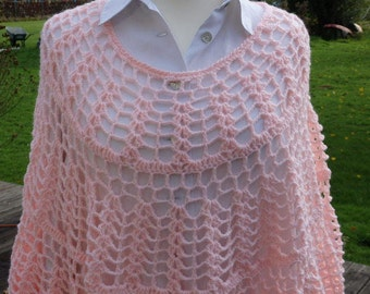 Poncho lace Rose Tendre Cocooning - crochet pink crochet lace poncho for cocooning