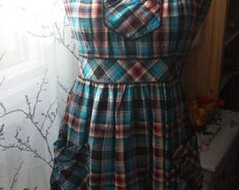 1970s-80s  plaid apron summer dress with pockets.
