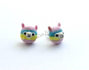 Stud earrings // Kawaii Alpagas