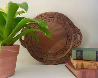 Vintage carved wood trivet / bohemian wall decor / wall hanging