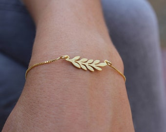 Laurel Bracelet, Bay Leaves Bracelet, Dainty Bracelet, Layered Bracelet, Tiny Bracelet, Gold Bracelet, Gift For Her, Branch Bracelet