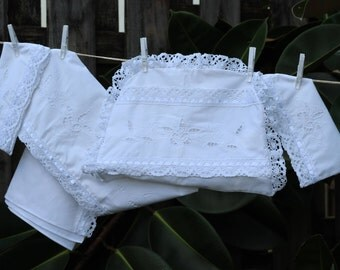 Savannah white embroidery by hand 4-piece set of wedge