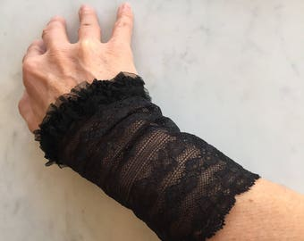 Pair of arm warmers with tulle and Black Lace, elegant, unique