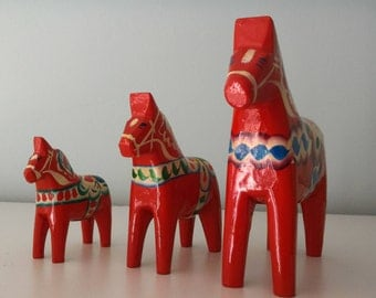 Set of three Dala horses - handmade in Sweden