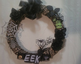 Spider Halloween wreath,wrapped in spider web ribbon, hand painted wood spider and webb, 14x14