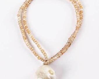 White natural pearl bracelet