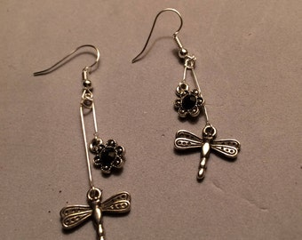 e13 - Dragonfly Earrings