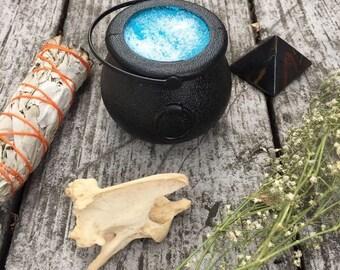 Dragon Tears cauldron bath bomb - honeydew scented - shimmery