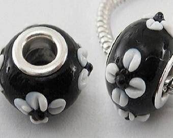 2 black flower 14 mm white Lampwork Glass Beads