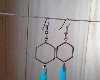 Earrings * Ezia * bronze and drop epoxy.