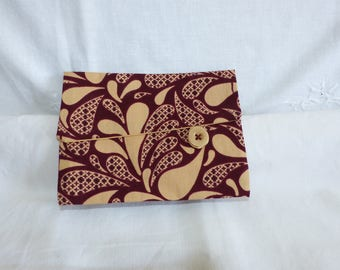 Pocket for passports, papers, jewelry, feminine effect