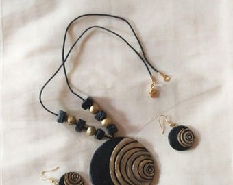 black and gold pendant necklace with matching earring-terracotta jewelry-polymer clay jewelry-