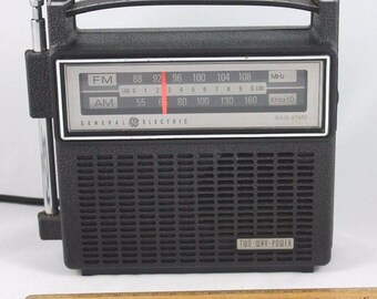GE General Electric Vintage Radio Works // with Original Box and Papers // AM FM // 7 2818D // 1980s // 1990s // Free Shipping