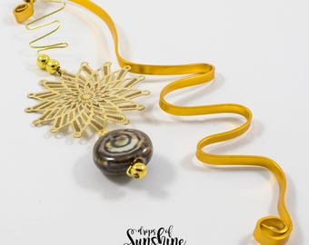 Gold flow bookmark