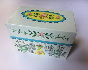 Vintage c. 1960s Metal Recipe Box with 19 divider cards!