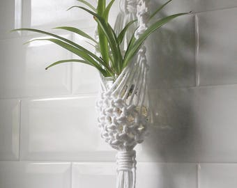 Macrame flower pot, handmade wall hanger, bohemian wall plant hanger, small macramé flowerpot, natural style, white macramé, boho style gift