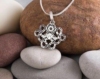 Octopus necklace Octopus jewelry octopus pendant beach wedding Sea pendant Ocean pendant Ocean jewelry marine animal silver pendant necklace