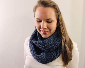 Knitted Infinity Scarf in Blue {Wool Scarf, Chunky Knit Scarf, Blue Scarf}