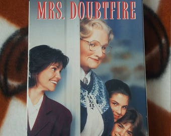 Mrs. Doubtfire VHS, 1996 Sally Field Robin Williams