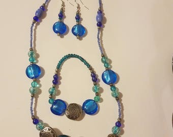 Blue glass bead set