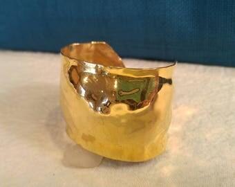 Rare Vintage Carlton Ridge Golden Cuff Bracelet- Sutton Hoo- 80's Jewelry- 80's Glam- Superhero Jewelry- Carlton Ridge for S.H.- Gold Cuff