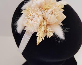 Headband made of dried flowers