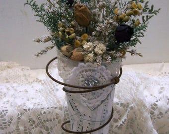 Dried flower art, rusty spring, primitive decor, country decor, farmhouse decor, vintage style
