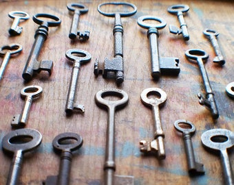 Authentic Antique Skeleton Key Lot / Instant Collection // Summer SALE - Save 15% - Coupon Code SUMMER15