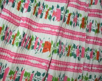RARE 1940s accordion pleat fabric floral border print original crimp paper backing