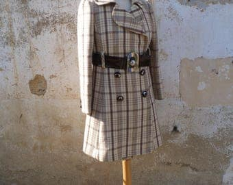 Vintage 1960/60s French beige & brown plaid mini  coat /mod coat / Huge plastic belt /Courreges style size S
