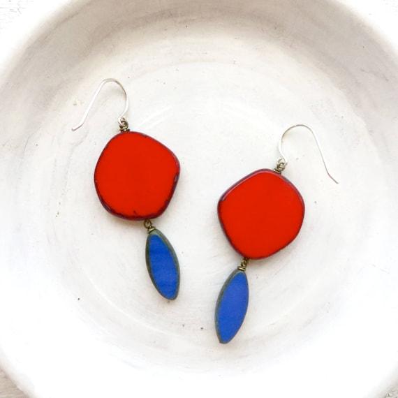 Hue Earrings > Red