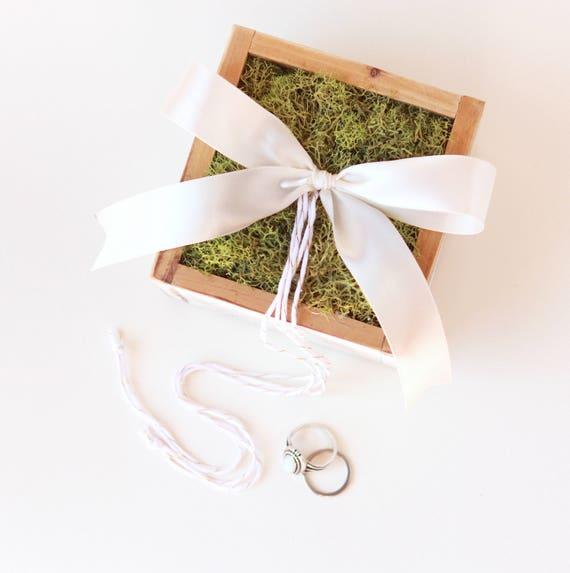 Moss ring bearer box, Rustic wedding pillow, Simple woodland box, pageboy accessory, Woodland wedding,  Rustic white wood ring bearer pillow