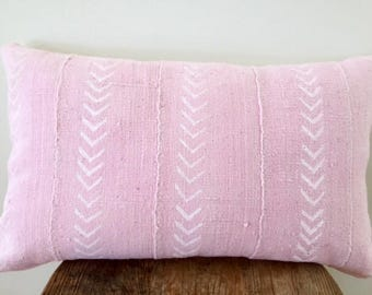 "African Mudcloth  pillow cushion cover 60cmx35cm ( 24""x14"") pale pink with white arrow pattern"