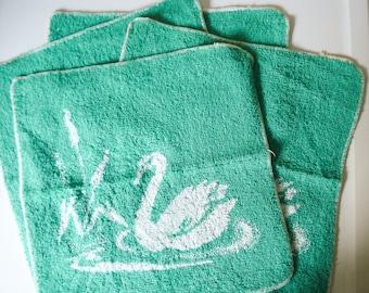 Vintage swan towel set