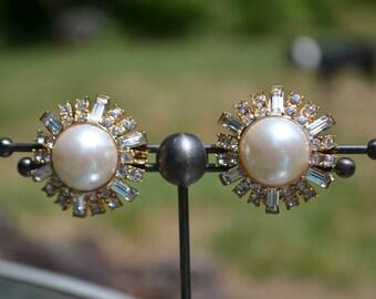 Vintage Costume Clip-On Earrings