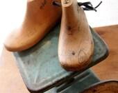 Toddler Child's Vintage Wooden Shoe Form Beach Cottage Rustic Farmhouse Nursery Decor