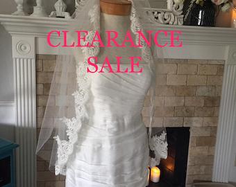 Traditional Wedding Veil, Two Tier Bridal Veil with Lace edge, Wedding Vail,Wedding Viel, Veil with Blusher