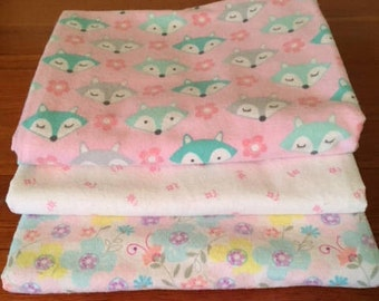 Set of receiving blankets/foxes and flowers