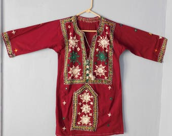 Vintage Indian Hand-Embroidered Cotton Shirt w/ Tiny Mirrors - Maroon Long-Sleeved Ladies Blouse - Floral Motif - Ethnic Boho Hippie 1970s