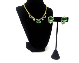 Dazzling Demi Parure Vintage Unmarked Watermelon Green Colored Faceted Rhinestone Gold Tone Metal Choker Necklace & Clip On Earring Set