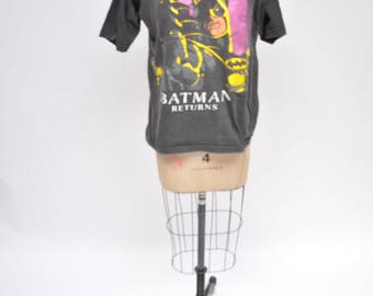 vintage tshirt BATMAN official 1980s oversized boyfriend fit t-shirt 80s distressed faded