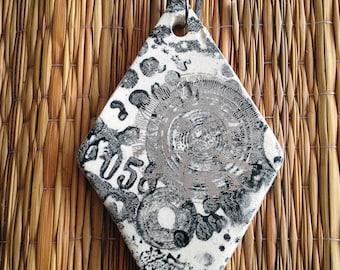 Vintage Sun, XLarge Diamond Pendant Wire Necklace, Silver Luster Sun