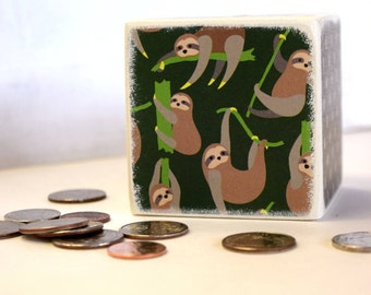 Sloth Wood Bank / Kids Piggy Bank / Wooden Bank / Coin Box / Money Box / Wood Coin Bank / Jungle / Children / SLOTH / Sloths